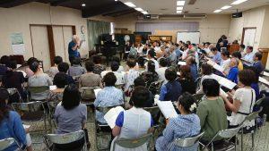 指揮者渡部勝彦先生による合唱指導